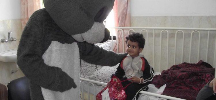جمعية الحياة والأمل ترسم الابتسامة على شفاه الأطفال المرضى بغزة
